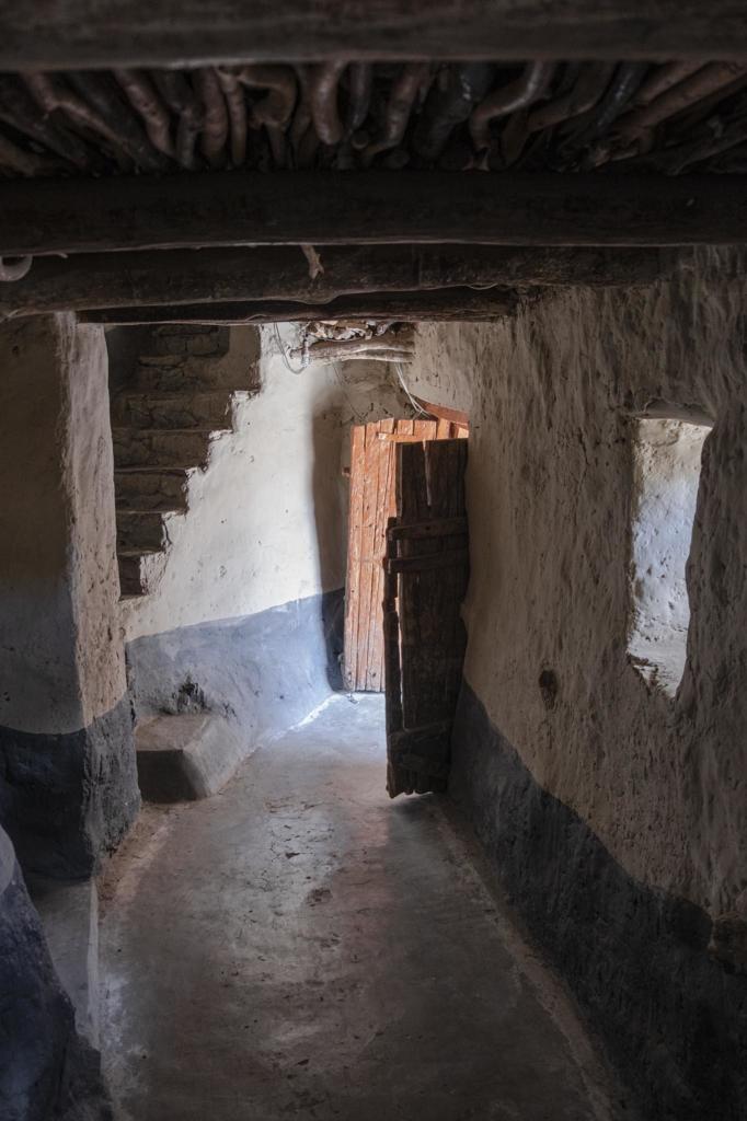 Deuren in Phugtal klooster, Ladakh