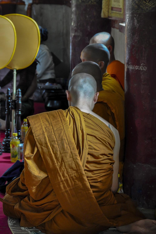 Monniken in gebed Laos